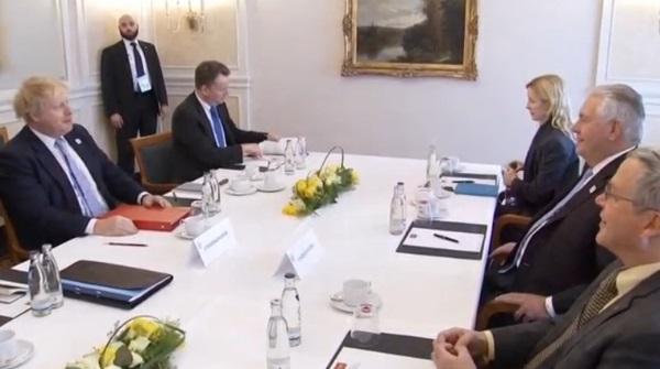 Ngoại Trưởng Mỹ Tillerson gặp Ngoại Trưởng Anh Johnson bên lề hội nghị G20
