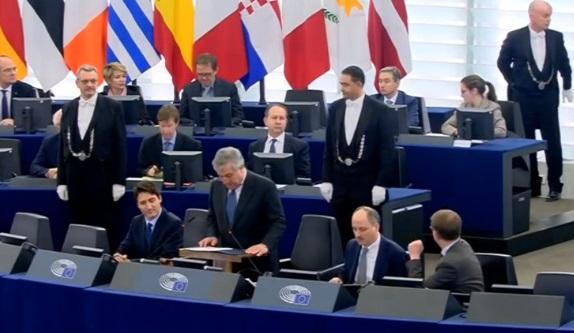 Trudean tuyên bố Canada & Liên Âu sẽ cầm đầu kinh tế thế giới