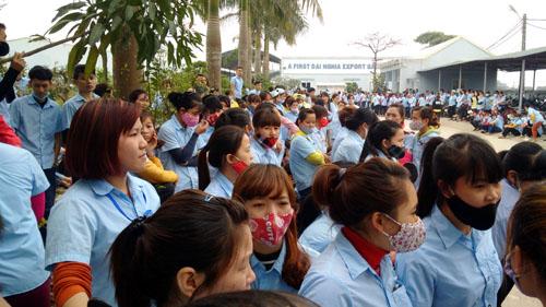 1,500 công nhân đình công đòi công đoàn minh bạch thu chi