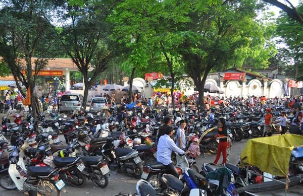 Chủ tịch Hà Nội: hầu hết quán bia lấn chiếm vỉa hè có công an 'chống lưng'