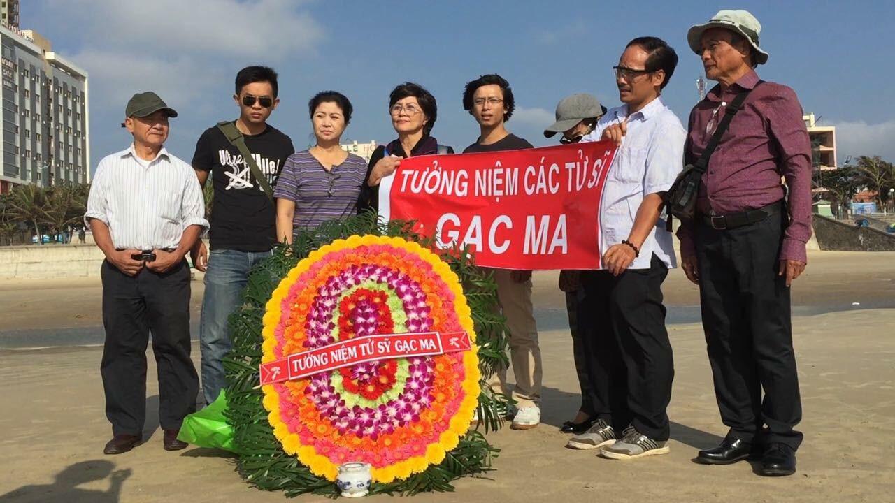 Công an tạm giữ một số thành viên CLB Lê Hiếu Đằng sau khi tưởng niệm 64 tử sĩ Gạc Ma