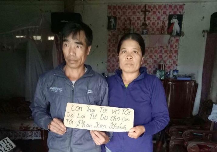 Gia đình sinh viên yêu nước Phan Kim Khánh kêu cứu cho con