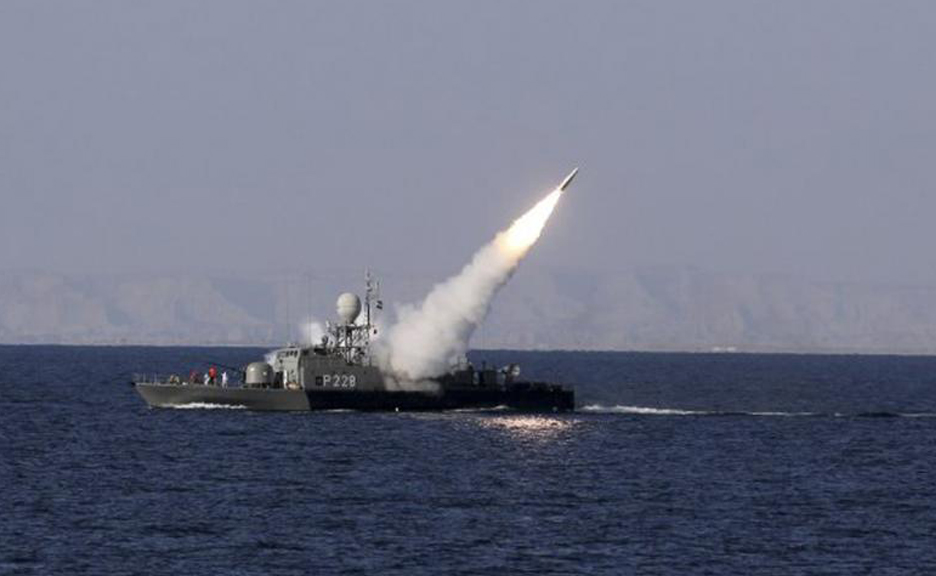 Lần đầu tiên từ sau Đệ Nhị Thế Chiến, Nhật Bản cân nhắc việc trang bị vũ khí tấn công