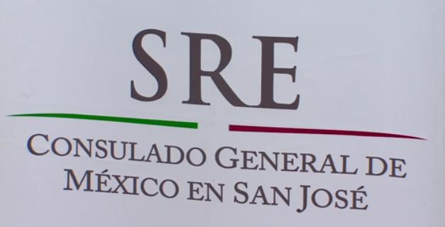 Người Mexico rủ nhau đi ghi danh 2 quốc tịch cho con họ