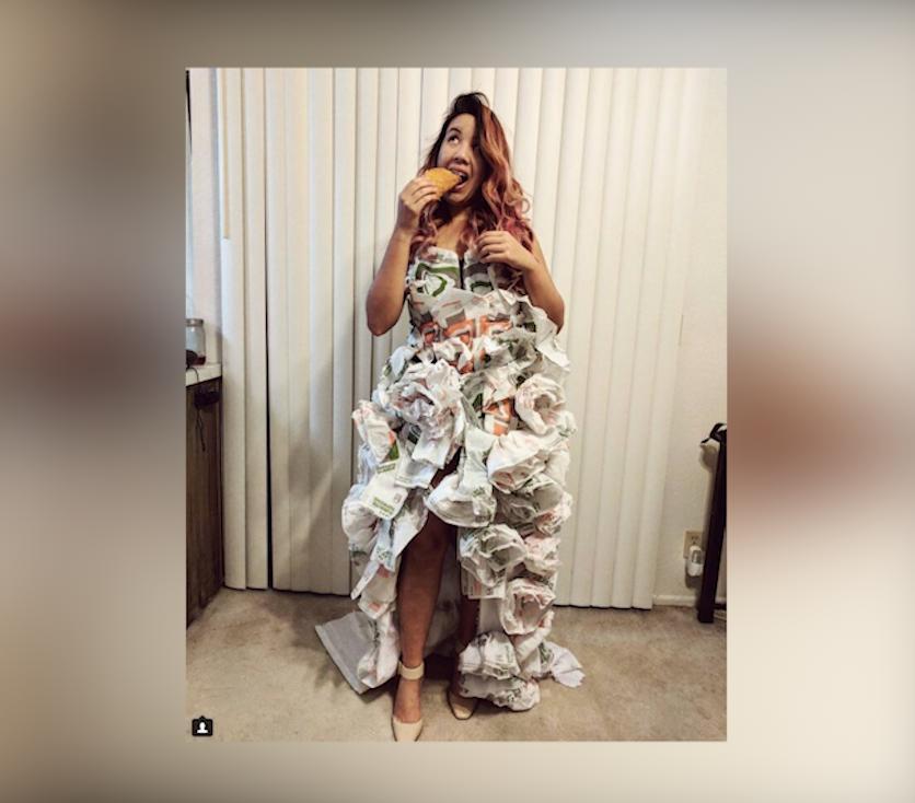 Cô dâu gốc Việt tự thiết kế áo cưới từ 200 gói giấy Taco