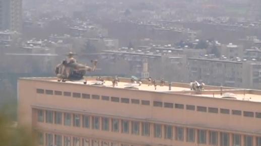 Bệnh viện quân đội ở Kabul bị tấn công khủng bố: 30 người chết