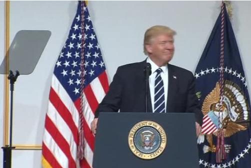 Tổng thống Donald Trump cảnh báo đảng Cộng Hòa Hạ Viện sẽ bị mất phiếu 2018 nếu không xóa bỏ Obamacare