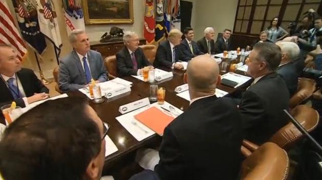 Tổng thống Trump và các nhà lãnh đạo đảng Cộng Hòa thảo luận về chương trình nghị sự
