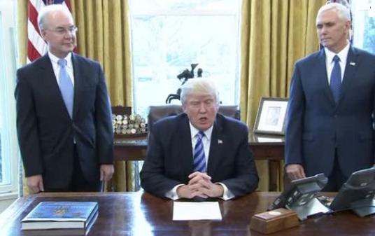Lo ngại tổng thống Trump sẽ không giảm thuế sau thất bại của dự luật Bảo Hiểm Sức Khỏe