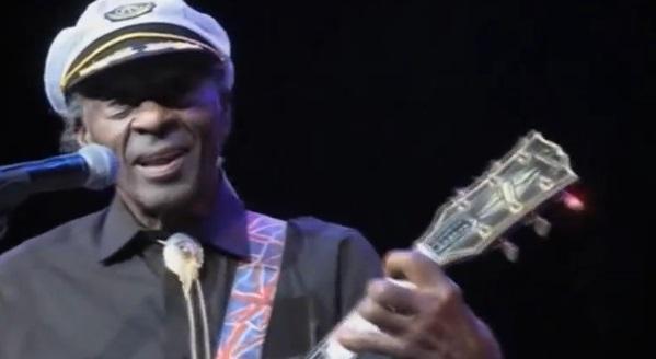 """Chuck Berry, người khai sinh nhạc Rock """"n"""" Roll qua ðời"""