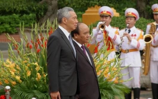 Thủ Tướng Singapore Lý Hiển Long ra Hà Nội