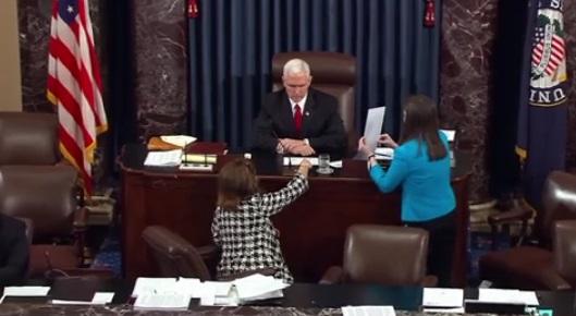Phó Tổng Thống Mike Pence bỏ lá phiếu quyết định cho phép xóa bỏ quỹ liên bang tài trợ Planned Parenthood
