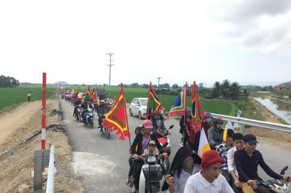 Hơn 6,000 ngư dân Quỳnh Lưu tiếp tục tuần hành yêu cầu Formosa cút khỏi Việt Nam!