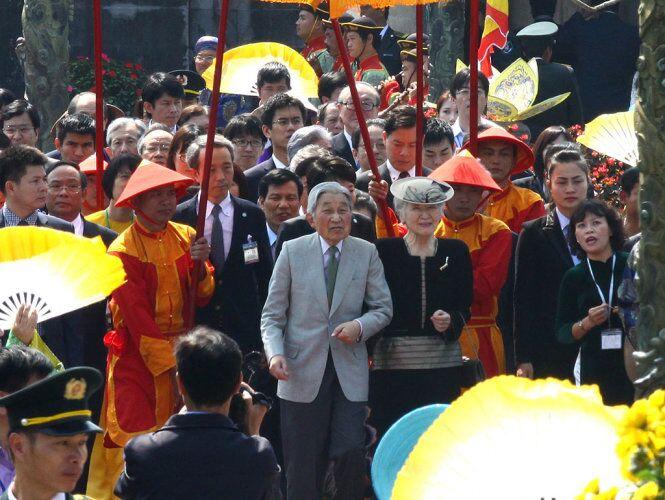 Nhật Hoàng Akihito kết thúc chuyến thăm Việt Nam