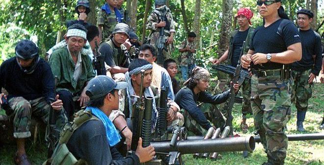 Philippines giết 10 tay súng Abu Sayyaf nhưng không cứu được 6 con tin Việt Nam