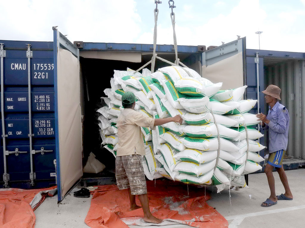 Hàng xuất cảng của Việt Nam khó vào Mỹ