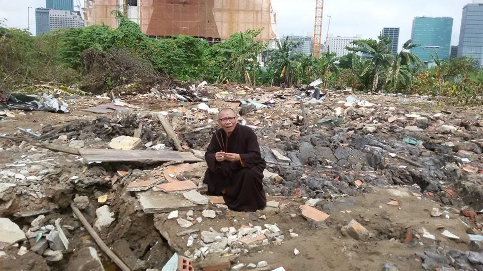 Hòa Thượng Thích Không Tánh ủng hộ người Việt hải ngoại biểu tình chống Tập Cận Bình