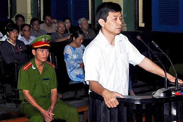 Ông Trần Huỳnh Duy Thức đang mất dần thị giác trong tù
