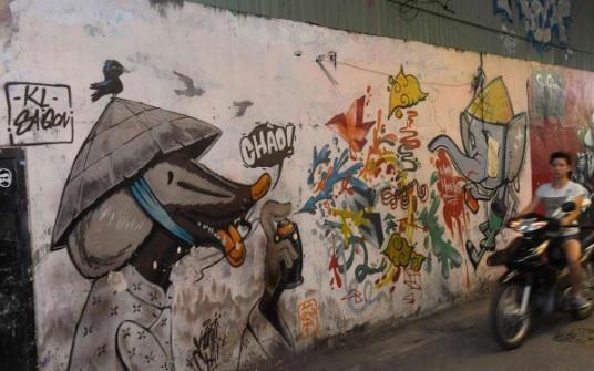Graffiti nở rộ ở Sài Gòn bất chấp chính sách bóp nghẹt văn hóa