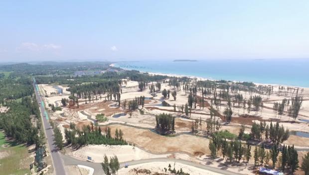 Phú Yên tạm dừng dự án phá rừng phòng hộ xây sân golf