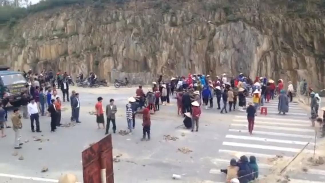 Ngư dân Kỳ Anh, Hà Tĩnh tiếp tục chặn quốc lộ 1A yêu cầu bồi thường sau thảm họa Formosa