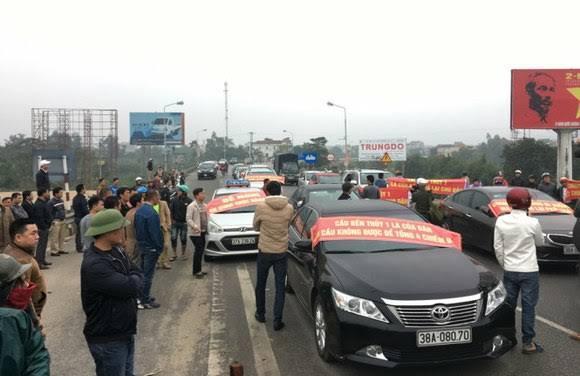 Người dân thắng chính quyền: Phí qua cầu Bến Thuỷ 1 bị hủy bỏ