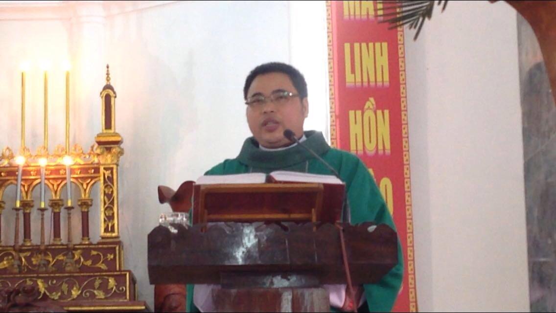 Chính quyền huyện Quỳnh Lưu Nghệ An tiếp tục yêu cầu các linh mục dâng lễ phải xin phép