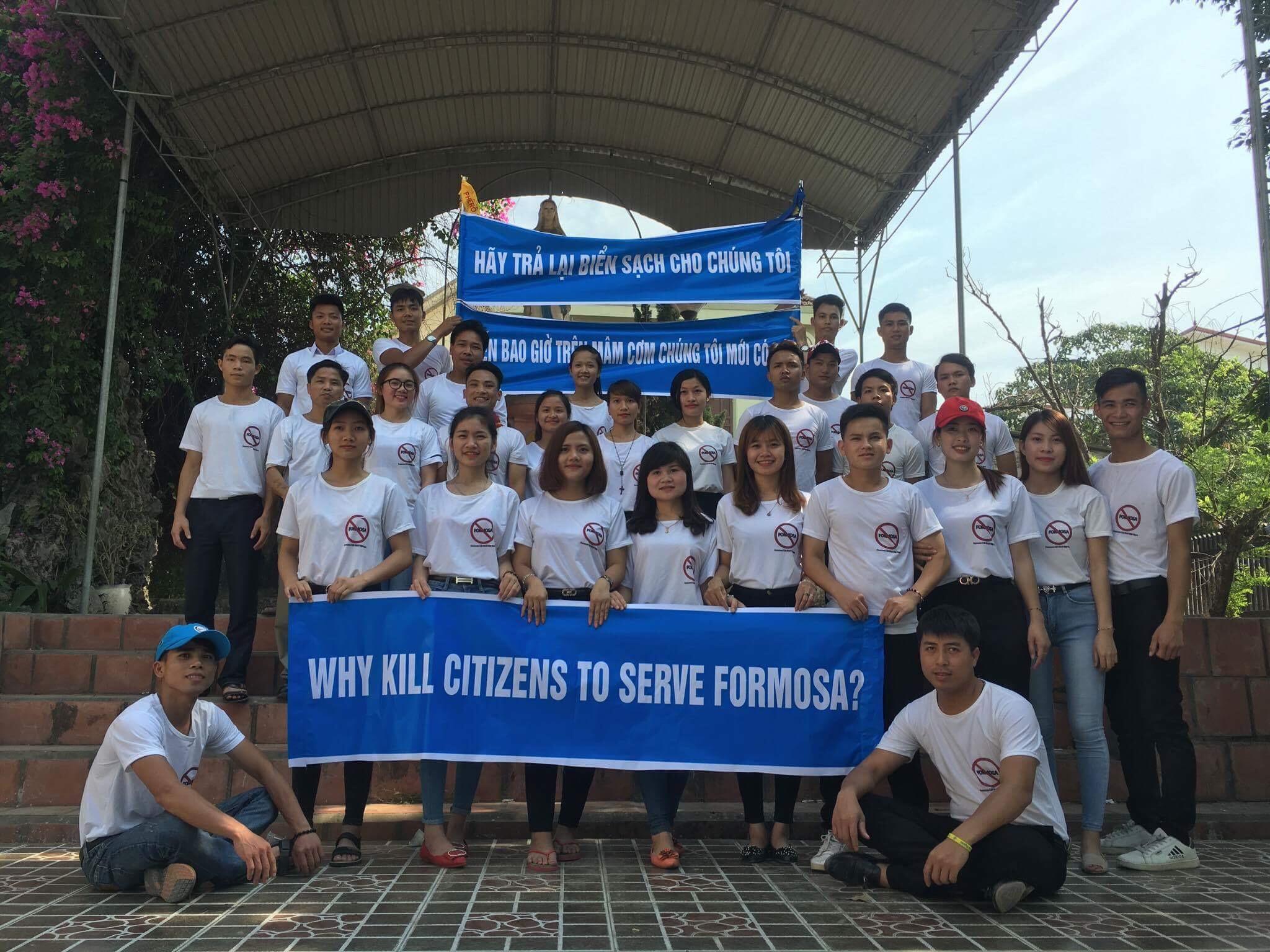 Giới trẻ Nghệ An xuống đường bảo vệ môi trường trong ngày 30/4