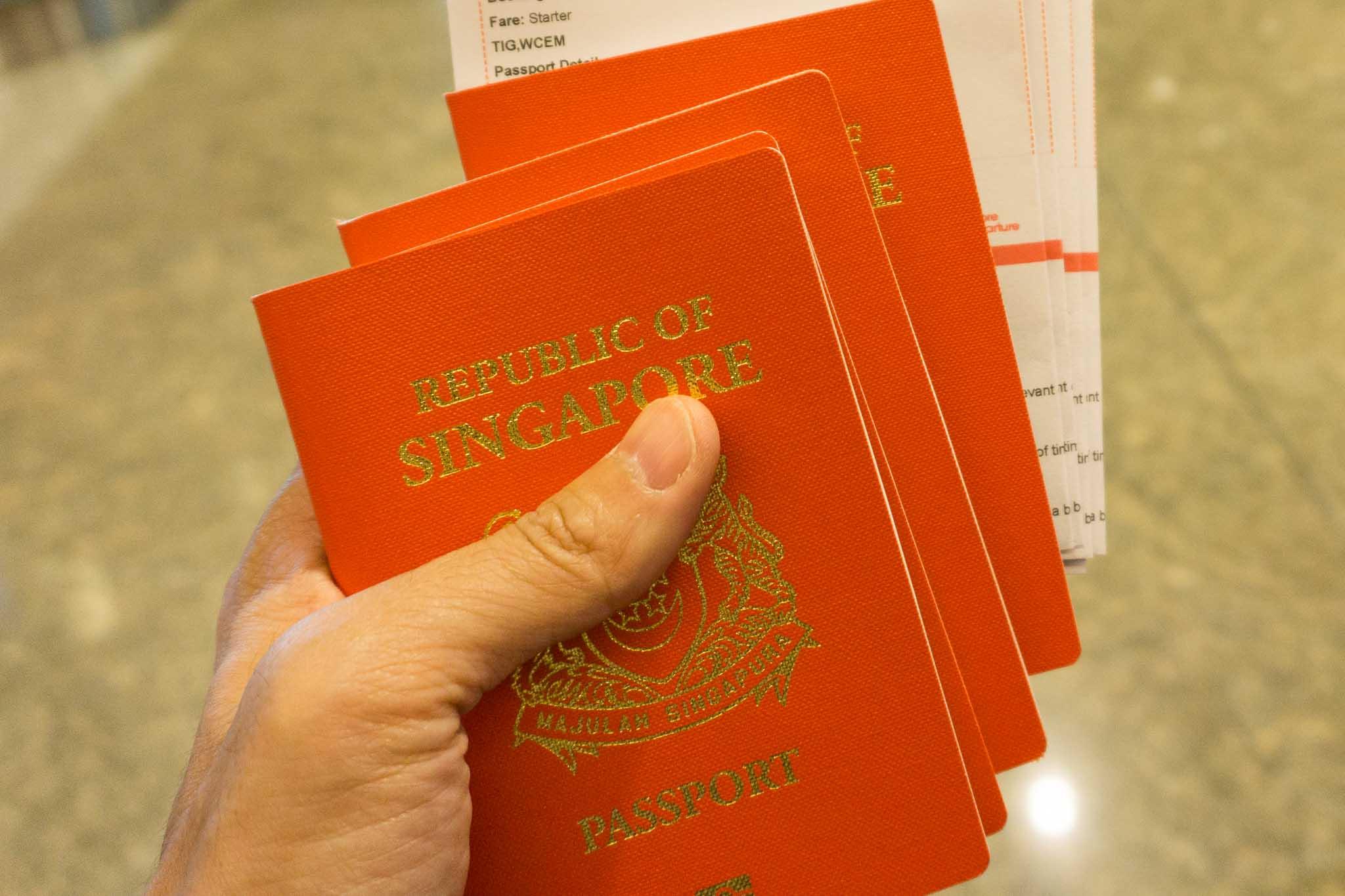Singapore trở thành 1 trong 2 quốc gia có passport quyền lực nhất thế giới