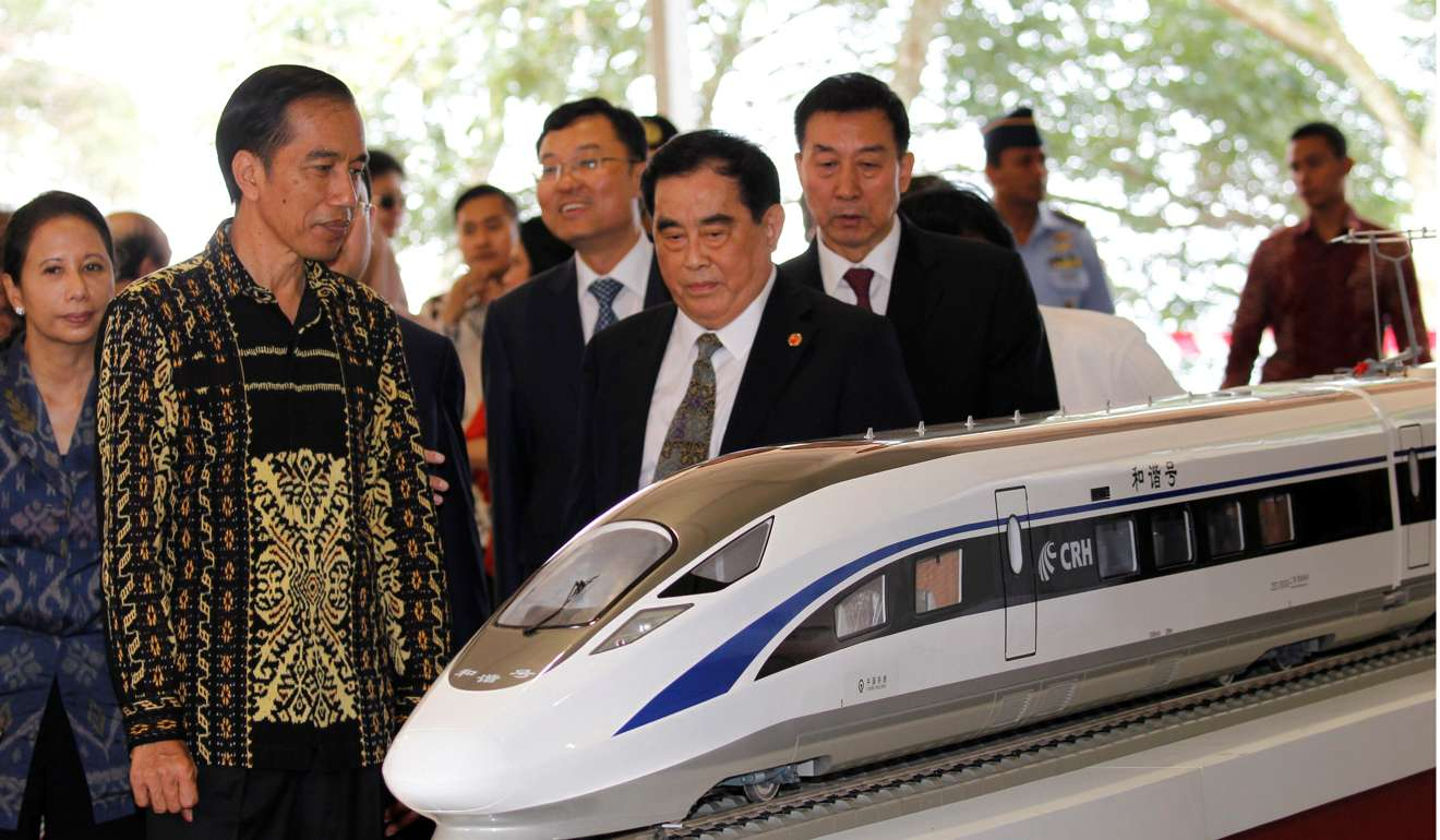 Tổng thống Widodo chỉ trích các nhà đầu tư Trung Cộng vì đưa quá nhiều công nhân đại lục vào Indonesia