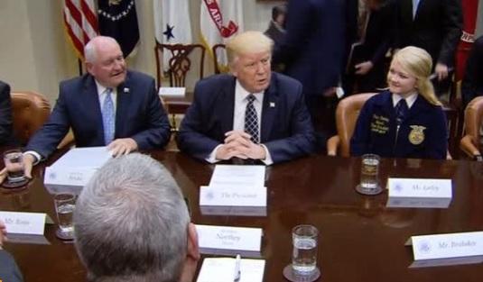 Tổng thống Trump không sợ cuộc chiến thương mại với Canada
