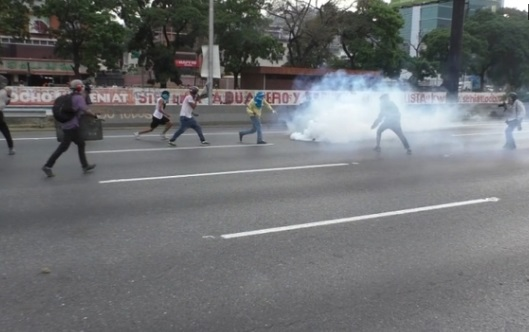 Hỗn loạn ở Venezuela bước sang tuần lễ thứ tư, số người chết tiếp tục tăng