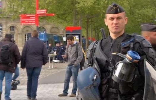 Le Pen hứa khôi phục biên giới nước Pháp nếu đắc cử tổng thống