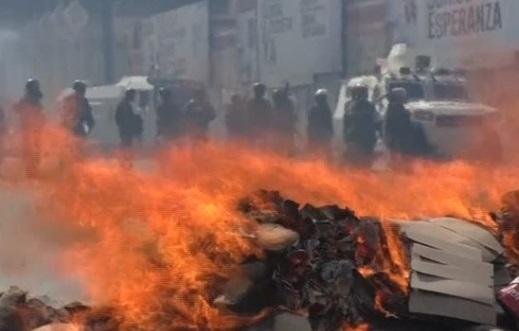 Đụng độ trong các cuộc biểu tình chống chính phủ tại Venezuela, 8 người chết