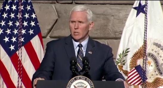 Phó tổng thống Mike Pence đi thăm Nam Hàn giữa lúc căng thẳng với Bắc Hàn tăng