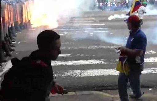 Thêm 2 người chết trong các vụ biểu tình ở Venezuela