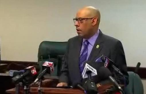 Bắt cựu giáo viên Tennessee bắt cóc thiếu nữ 15 tuổi