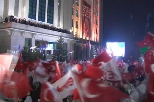 Cuộc trưng cầu dân ý gây chia rẽ đất nước Thổ Nhĩ Kỳ