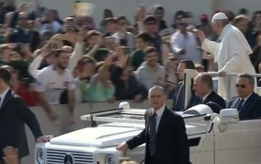 Đức Giáo Hoàng, thế giới lên án vụ tấn công bằng vũ khí hóa học ở Syria