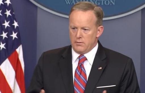 Tin đồn phát ngôn nhân Sean Spicer có thể là người kế tiếp bị tổng thống sa thải