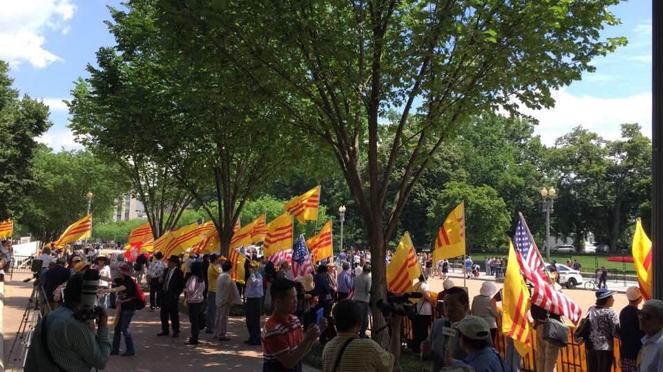 Biểu tình phản đối thủ tướng CSVN Nguyễn Xuân Phúc tại Washington D.C.