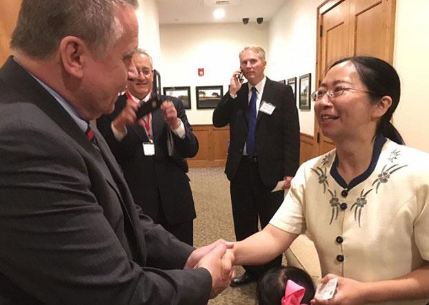 Hoa Kỳ giúp gia đình của luật sư nhân quyền đào thoát khỏi chính quyền Trung Cộng