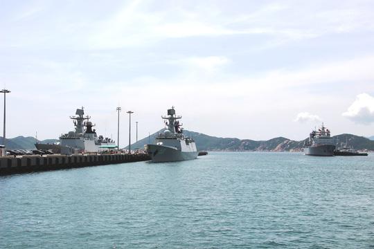 Ba tàu hải quân Trung Cộng vào cảng Sài Gòn