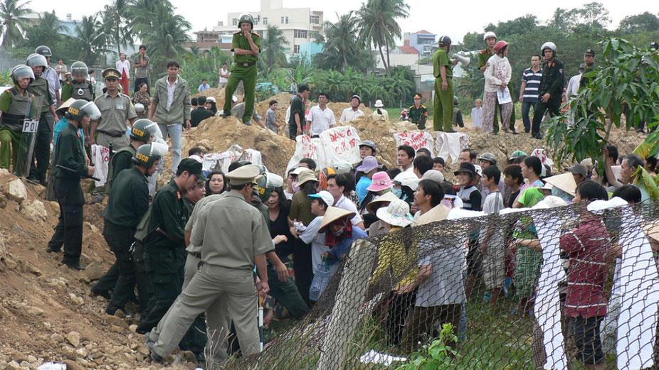 Nhà ngoại giao Mỹ khuyên Việt Nam cho nông dân hưởng lợi từ bán quyền sử dụng đất