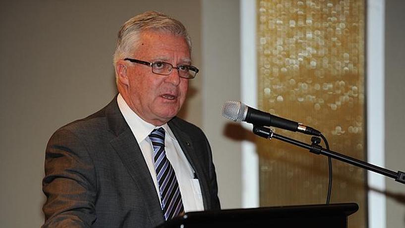 Dân Biểu Úc Chris Hayes lên án vụ CSVN đấu tố hai linh mục