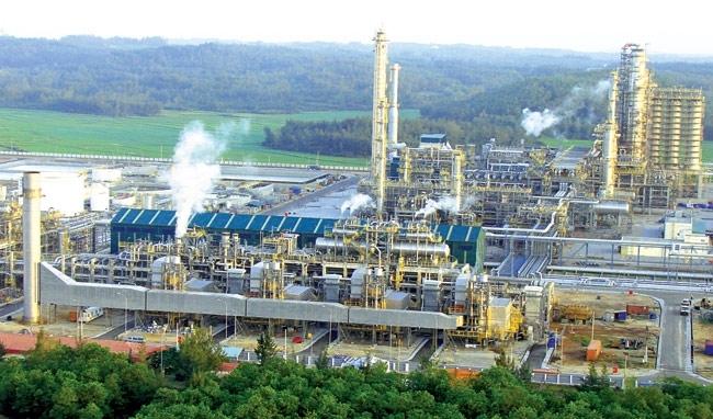 Nhà máy lọc dầu lớn thứ hai Việt Nam hoãn việc khởi động tới 2018