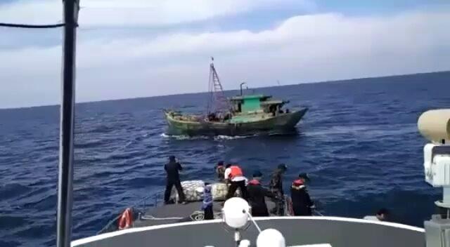 Tàu tuần tiễu Indonesia và Việt Nam đụng độ trong vùng biển Natuna