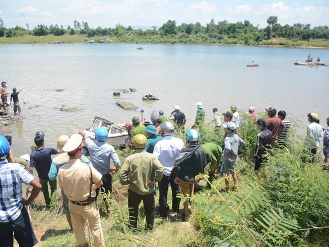 Phú Yên điều tra nhà máy thủy điện xả nước cuốn trôi 4 học sinh