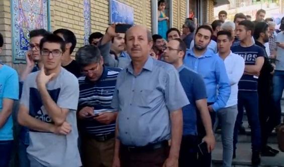 Iran kiểm phiếu – Rouhani tái đắc cử
