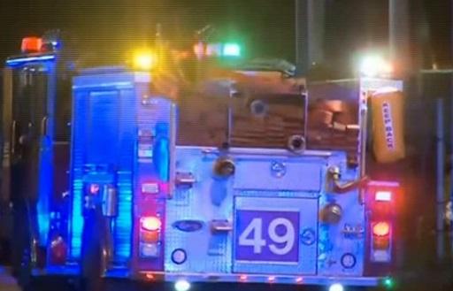 2 cảnh sát Chicago bị bắn theo kiểu đột kích, nghi can còn tại đào